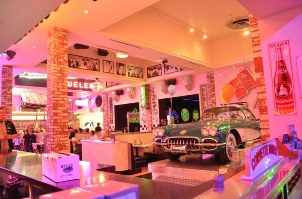 San Diego Diner: Corvette Diner in Point Loma